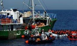 Vācijas NVO aptur migrantu glābšanas operācijas Lībijas piekrastē