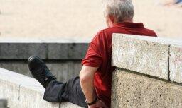 За год средняя пенсия по возрасту в Латвии выросла на 18,5 евро