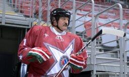 Лукашенко: сборная Беларуси по делу вылетела из элитного дивизиона