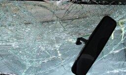 Авария в центре Риги: под колесами авто погиб пешеход, полиция ищет свидетелей