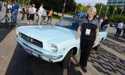 Pašu pirmo 'Ford Mustang' sieviete vēlējusies nodot metāllūžņos; izrādās 400 tūkstoš eiro vērts