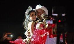 Foto: Meksikā pusaudzes dzimšanas dienas ballīte izvēršas masveida dzīrēs