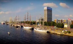 Graciozie 'The Tall Ships Races 2013' buru kuģi no putna lidojuma