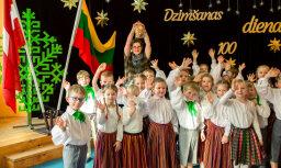 Foto: Kā Rīgas 49.bērnudārzā atzīmēja Lietuvas simtgadi