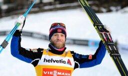 Norvēģu slēpotājam Sundbijam diskvalifikācijas dēļ atņem uzvaru Pasaules kausā