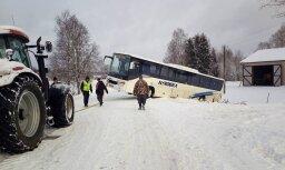 Satiksme uz ceļa Litene – Alūksne pēc autobusa avārijas atjaunota