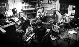 Noklausies! Grupa 'The Sound Poets' laiž klajā jaunu singlu 'Ezers, salas, putni'