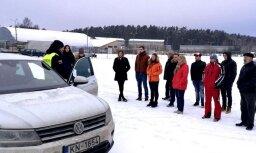 CSDD turpina bezmaksas ziemas drošas braukšanas konsultācijas Biķernieku trasē