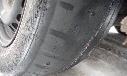 Foto: Policija uz ceļiem Kurzemē trim tūkstošiem auto pārbaudījusi riepas