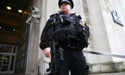 В Лондоне у парламента арестован вооруженный ножами мужчина