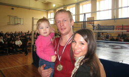 Латвийский боксер Гришунин одержал третью победу среди профессионалов