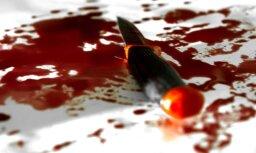 Рига: на ул. Краста найден мужчина с ножевыми ранениями в грудь и бок