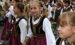 Sāksies biļešu tirdzniecība uz skolēnu dziesmu un deju svētku koncertiem