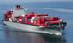 Latvija desmit mēnešos eksportē un importē mazāk nekā Lietuva un Igaunija
