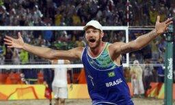 Olimpiskie čempioni pludmales volejbolā Alisons/Brunu negaidīti pārtrauc sadarbību