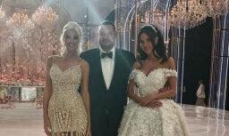 Foto: Krievu oligarha un modeles satriecoši krāšņās kāzas
