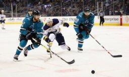 Girgensons izceļas ar divām rezultatīvām piespēlēm NHL mačā