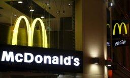 'McDonald's' Lielbritānijā nomainīs plastmasas salmiņus pret papīra