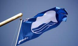 Šosezon 'Zilais karogs' plīvos 21 Latvijas peldvietā un jahtu ostā