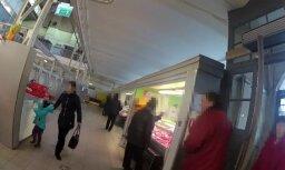 Video: Skurbulī esoša māte Āgenskalna tirgū pamet savu bērnu