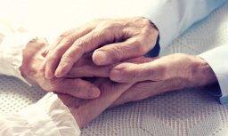 В США и Британии прожившие вместе много лет супруги умерли в один день