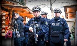 Apšaudē Vācijā nogalināti divi cilvēki un ievainoti divi policisti