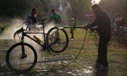 Foto: 'Vivus.lv' MTB maratons noslēdzas ar spraigām cīņām un ballīti