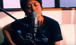 Latviešus sajūsmina japāņa izpildīta 'Prāta vētras' dziesma