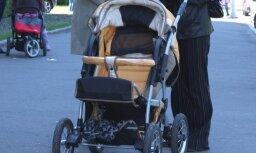 В Зиепниеккалнсе ночью встретили пьяных родителей с грудным ребенком