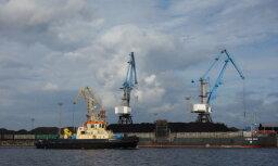Латвийские порты за восемь месяцев перевалили на 4,8% больше грузов; на железной дороге - спад