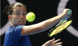 Севастова одержала за день в Дубае две победы, Остапенко отличилась только в паре