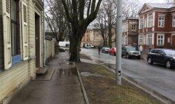 Atjauno ārkārtas situācijas dēļ Baložu ielā ierobežoto satiksmi