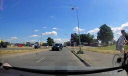 Video: Krasta ielā džips ignorē 'ķieģeļa' zīmi un brauc pretējā virzienā