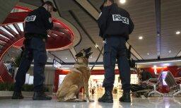 guard at Charles de Gaulle airport in Paris