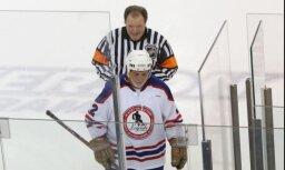 Visu laiku rupjākais NHL spēlētājs braucienā uz Latviju, iespējams, uzmācies stjuartei