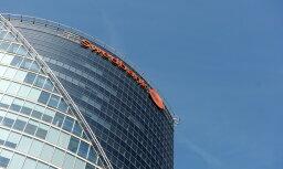 'Swedbank' peļņa pirmajā ceturksnī sarukusi; pieaug mobilo pakalpojumu lietotāju skaits
