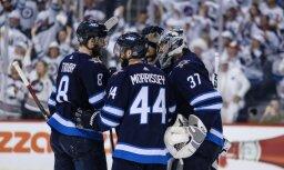 Pirmajā Rietumu konferences finālmačā 'Jets' hokejisti pieveic 'Golden Knights'