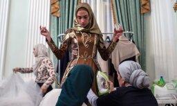 Aizkulišu foto: Čečenijas līdera meitas modes šovs Maskavā