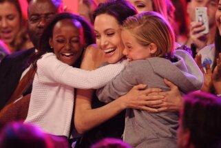 Andželīna Džolija, Angelina Jolie