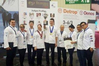 Latvijas pavāri no konkursa Grieķijā pārved medaļas un kausu