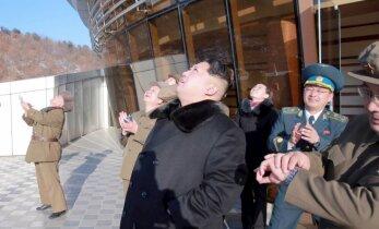 Foto: Ziemeļkoreja palaidusi raķeti; ANO Drošības padome sanāks uz sēdi