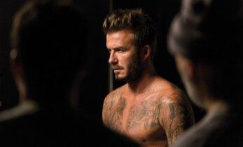Foto: Pasaulē seksīgākais vīrietis atkailina torsu
