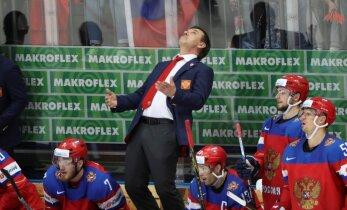 Video: Krievija PČ ievadā saņem 'pērienu' no Čehijas