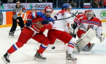 Čehi pirmajā spēlē sensacionāli 'sausā' atstāj Znaroku un Krieviju