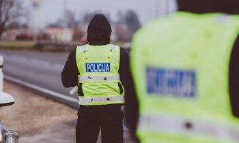 Uz Rīga-Sigulda autoceļa piecu automašīnu sadursmē divi cietušie; satiksme atjaunota