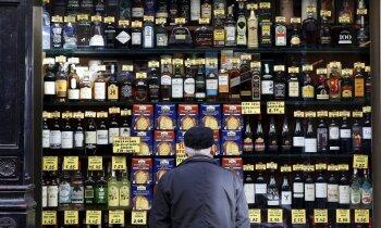 Plāno atļaut alkohola tirdzniecību internetā: risks veselībai vai iespēja biznesam