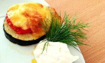 Kabaču ripiņas ar sieru un vistas šašliku