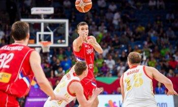 Serbijas basketbolisti pieveic Krieviju un sasniedz 'Eurobasket 2017' finālu