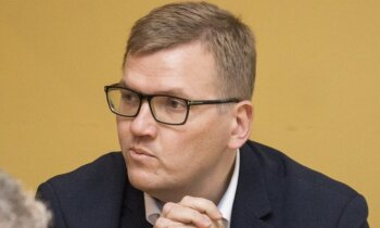 Pūce lūdz KNAB informāciju par Rīgas domē veikto kratīšanu
