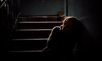 Galējs izmisums un atbalsta trūkums. Skaudrā realitāte pēcdzemdību periodā